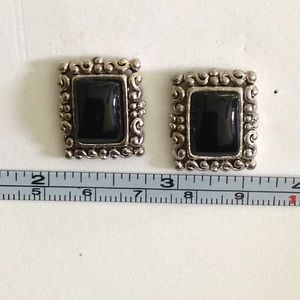 Black and silver pierced earring
